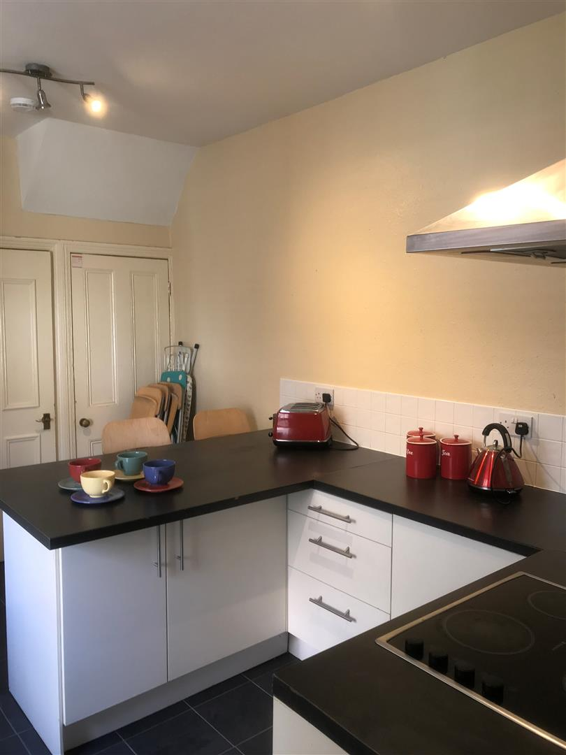 Heaton Hall Road Newcastle Upon Tyne, 5 Bedrooms  House - terraced ,To Let
